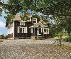 Nice home in Årjäng w/ WiFi and 4 Bedrooms