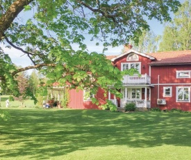 Three-Bedroom Holiday Home in Sunnemo