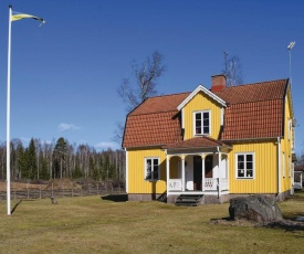 Four-Bedroom Holiday Home in Hogsby