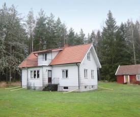 Two-Bedroom Holiday home Mönsterås 0 06